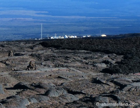 The observatory comes into view. Note the rough a'a lava on the right and the more rounded pahoehoe on the left nad in the foreground.