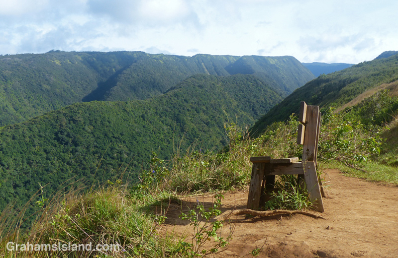 The bench at the lookout above Honokane Nui valley and the views toward the Kohala Mountains.