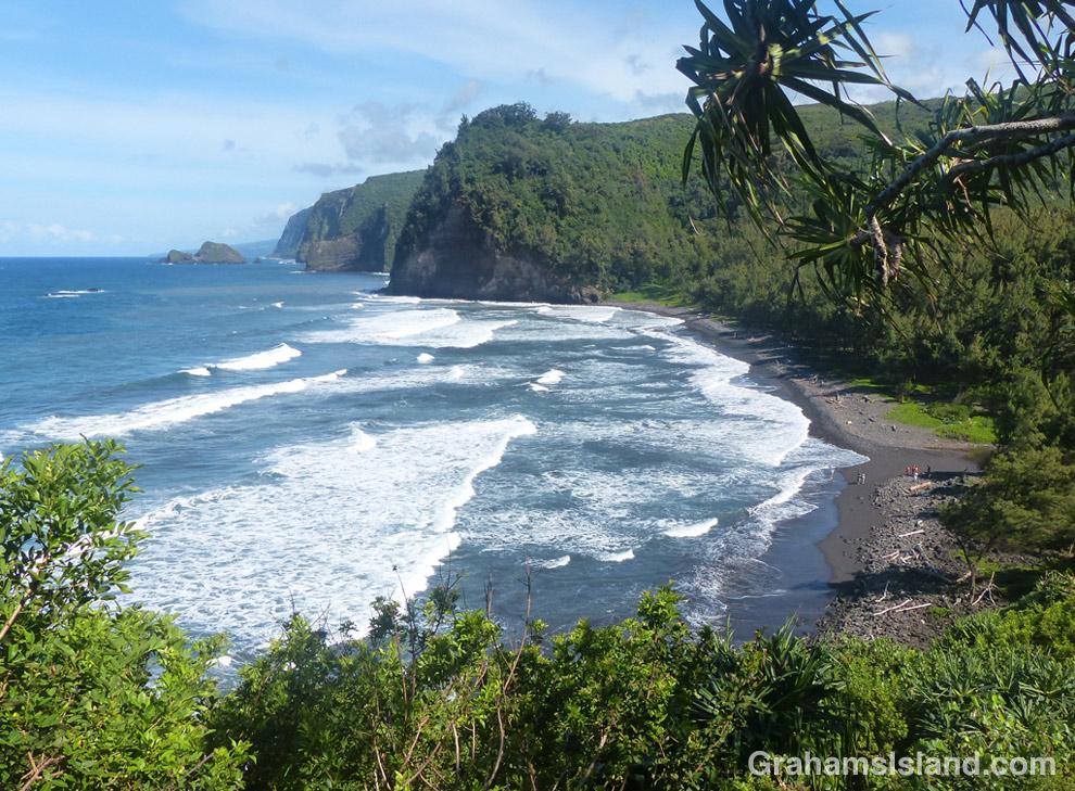 Pololu beach and coastline