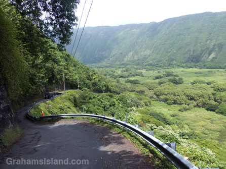 The road down into Waipi'o Valley is rough, winding, and very steep.