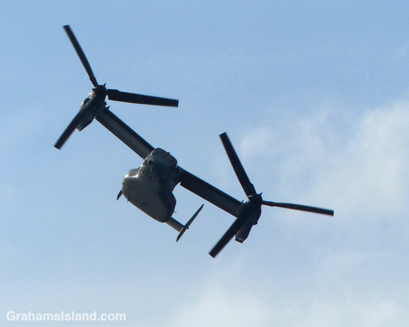 A V-22 Osprey banks as it approaches Upolu Airport.
