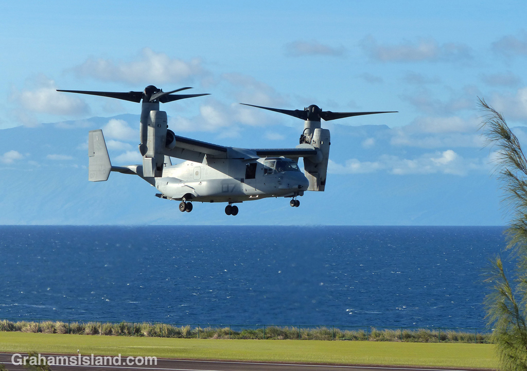 A V-22 Osprey lands at Upolu Airport.