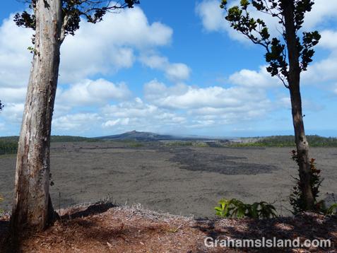 The Puʻu ʻŌʻō vent from the Nāpau Crater overlook.