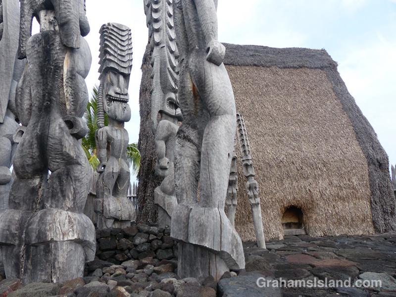 Ki'i seen at Hale o Keawe at Pu'uhonua o Hōnaunau National Historical Park.