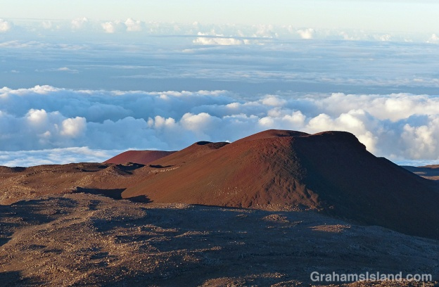 Signs of old volcanic activity on Mauna Kea.