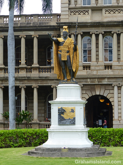 King Kamehameha statue Honolulu