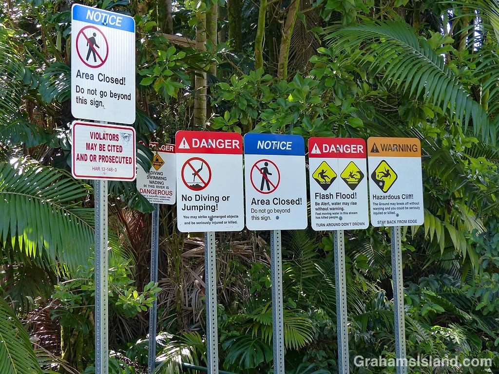 Signs-Boiling Pots dangers