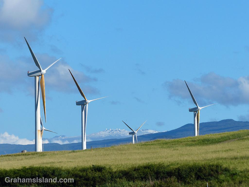 Wind turbines Hawi and Mauna Kea