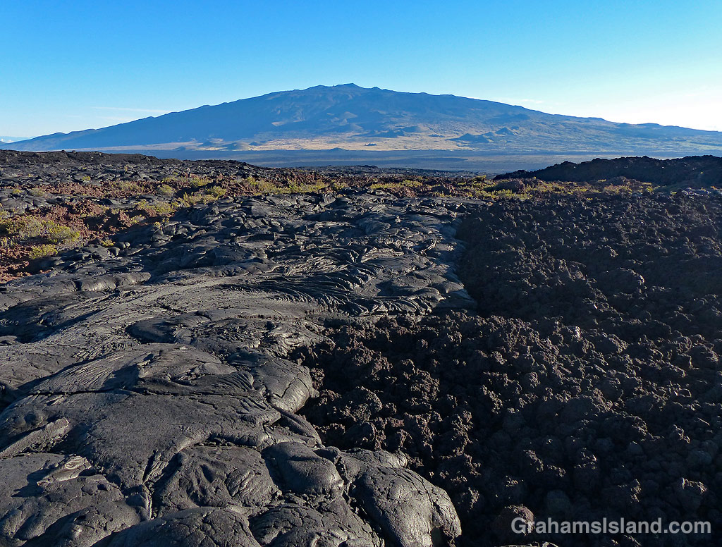 A'a and pahoehoe lava