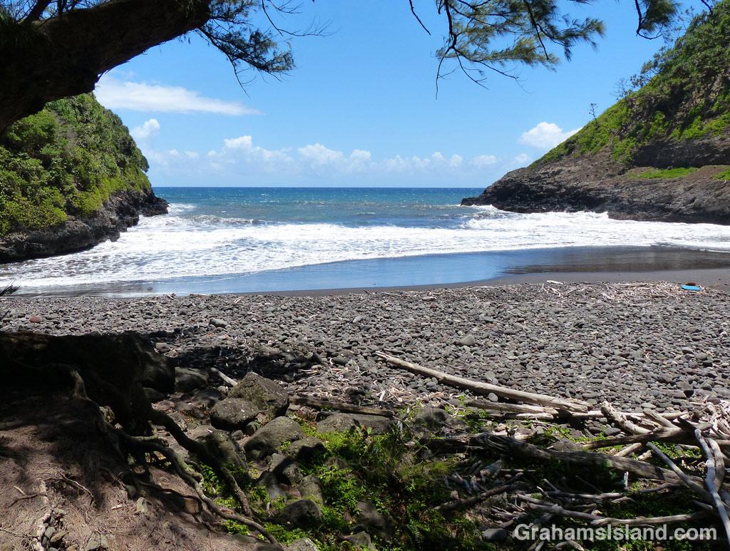 The mouth of Honokane Iki Valley
