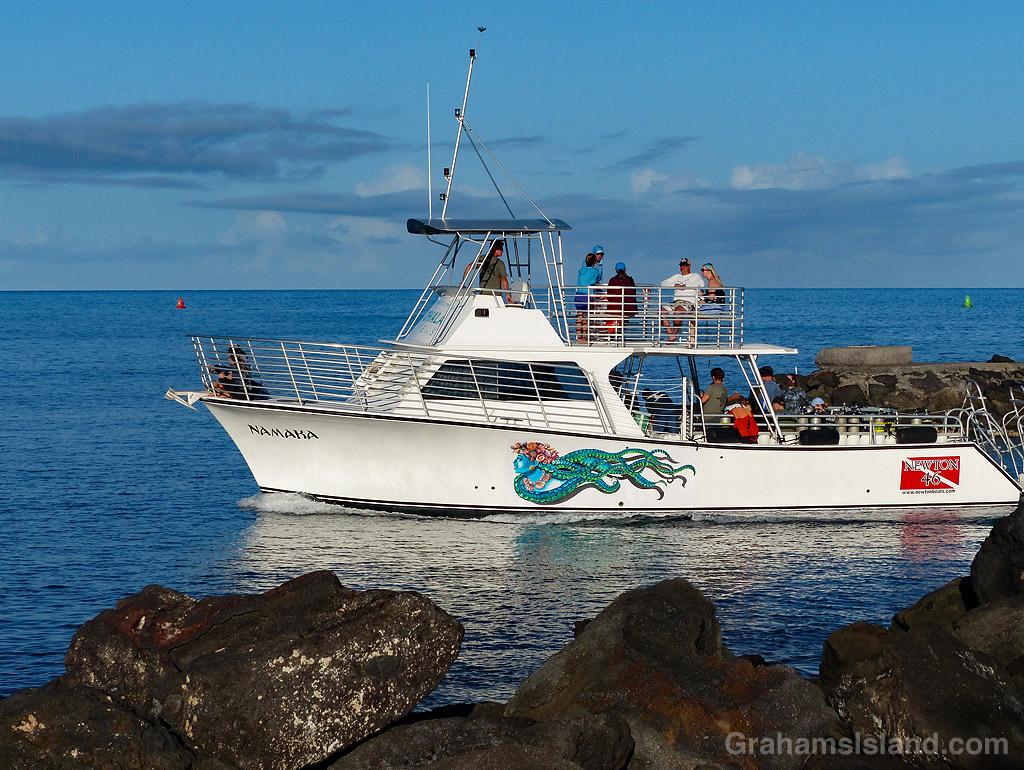 Kohala Divers boat