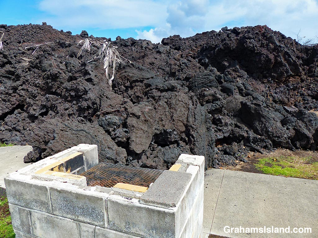 Pohoiki barbecue pit and lava