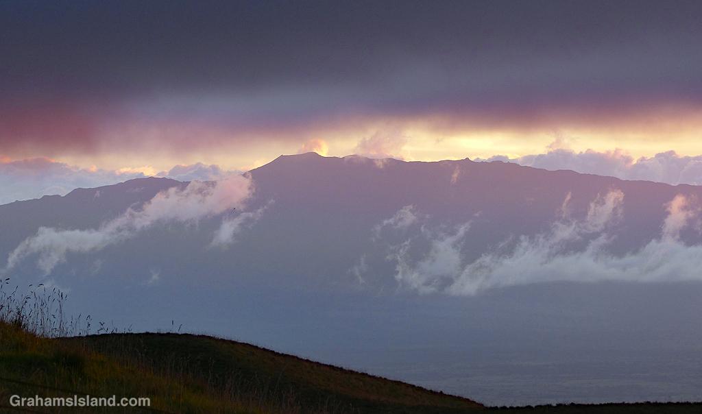 Hualalai volcano seen from Saddle Road in Hawaii