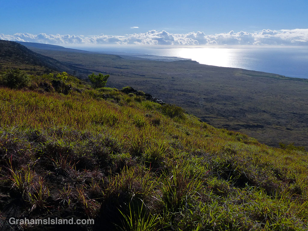 Hilina Pali Trail view in Hawaii Volcanoes National Park
