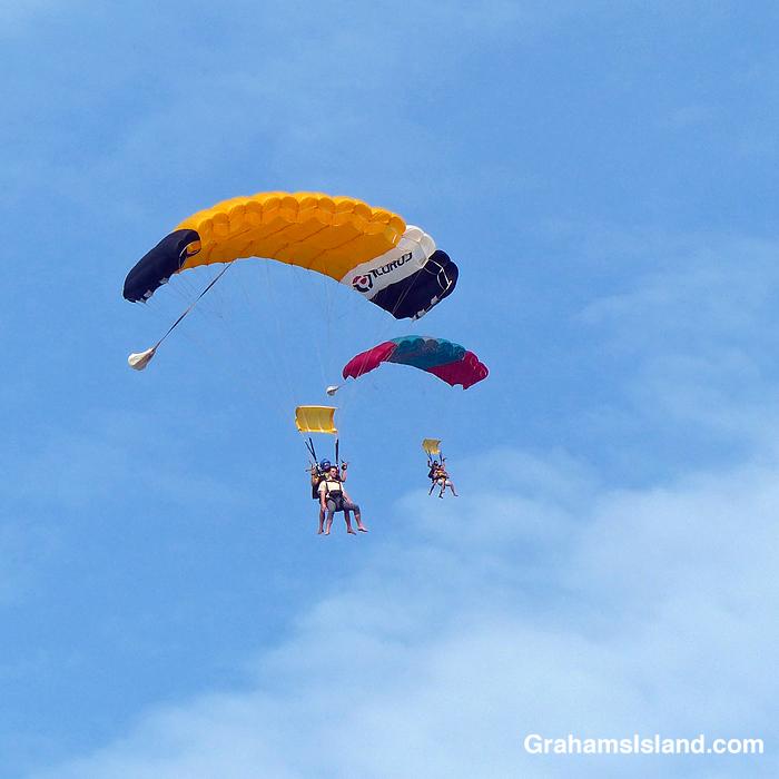 Skydivers over Upolu, Hawaii